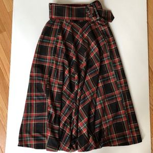 Zara Skirts - Zara belted tartan midi plaid skirt NWT Christmas